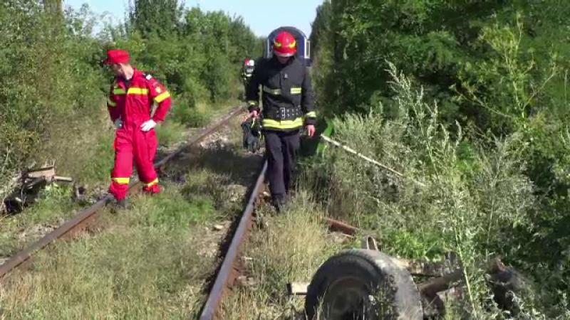 Căruţă lovită de tren, într-un sat din Bacău
