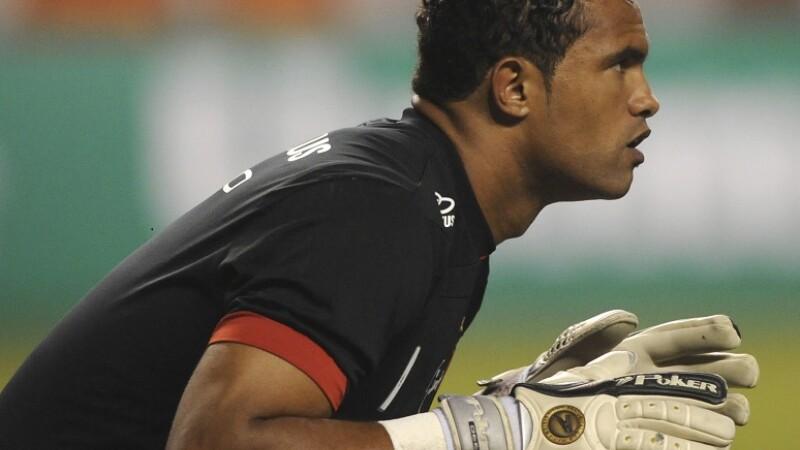 Un fotbalist care şi-a ucis iubita, ofertat de un club din Brazilia deşi e la închisoare