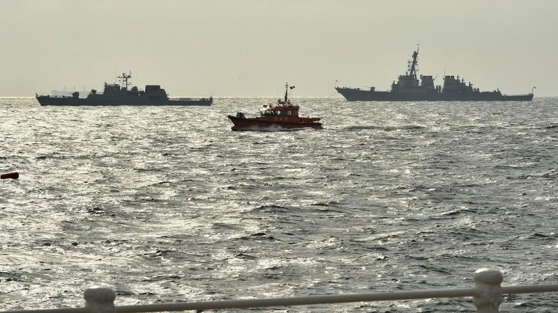 Demonstratie cu nave de lupta de Ziua Marinei
