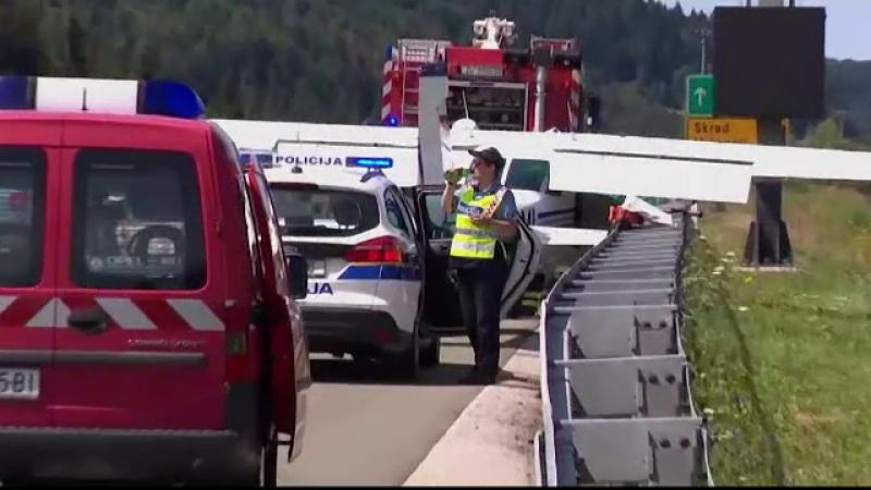 Un avion a aterizat de urgență pe o autostradă din Croația