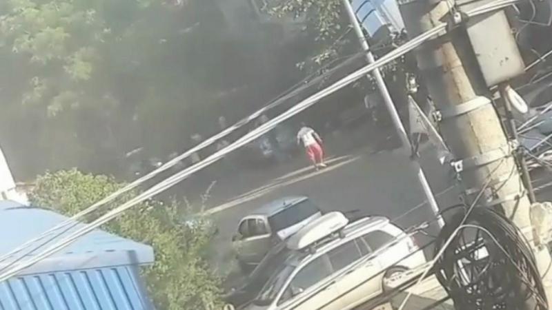 Conflict sângeros la marginea Capitalei. 6 oameni, răniţi până la sosirea mascaţilor