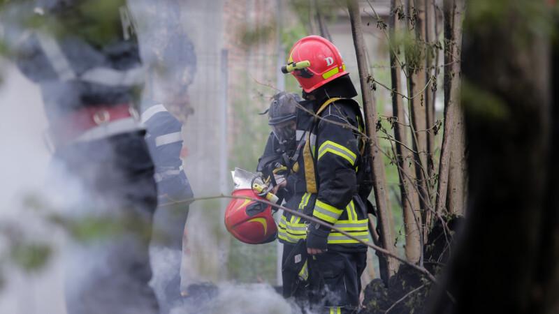 Incendiu izbucnit la o școală din Timiș. De la ce au pornit flăcările
