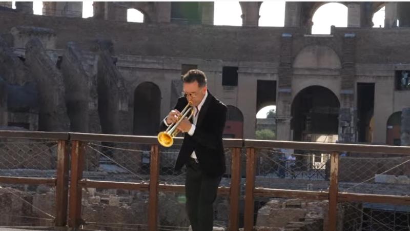"""VIDEO """"Colosseo"""", opera singurului artist român căruia autoritățile italiene i-au permis să filmeze în Colosseum"""