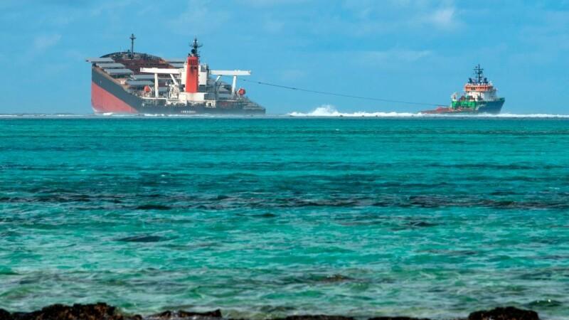 Dezastru ecologic în Mauritius: o navă cu benzină s-a rupt în două - 3