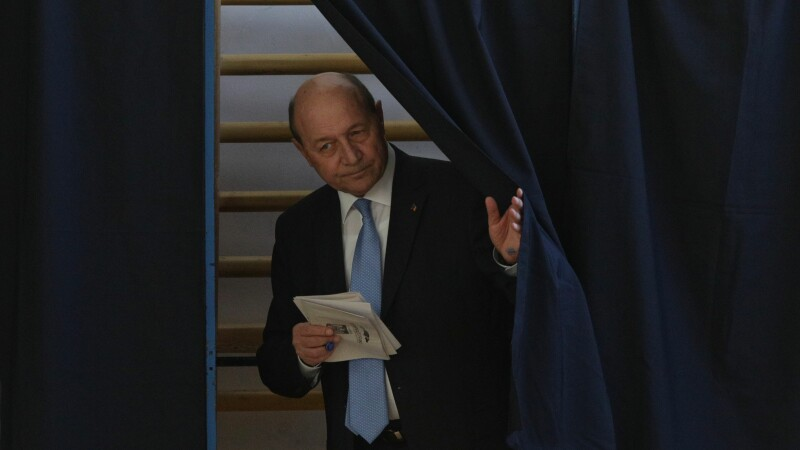 """Traian Băsescu își depune candidatura pentru Primăria Capitalei. """"Fiecare are șansa lui"""""""