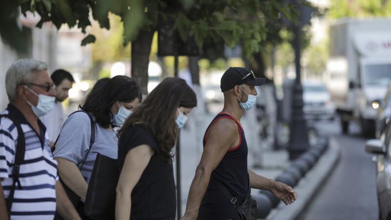 Ghidul purtării măștilor de protecție. Un grup de medici americani te învață ce trebuie și ce nu trebuie să faci