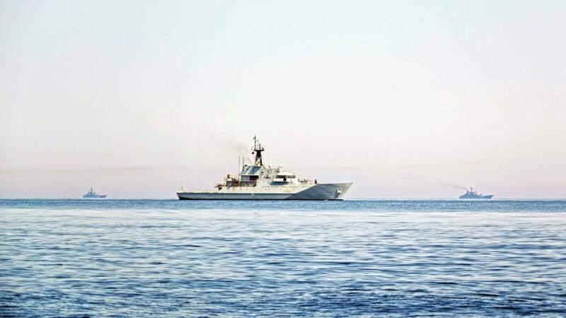 9 nave de război ruse, escortate de Royal Navy şi NATO în apropierea apelor teritoriale britanice