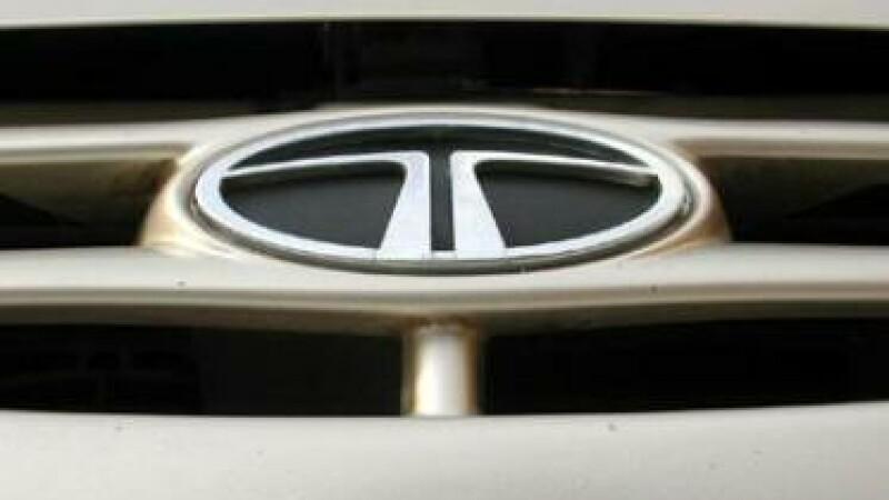 Criza pe patru roti, Tata Motors intrerupe productia pentru sase zile