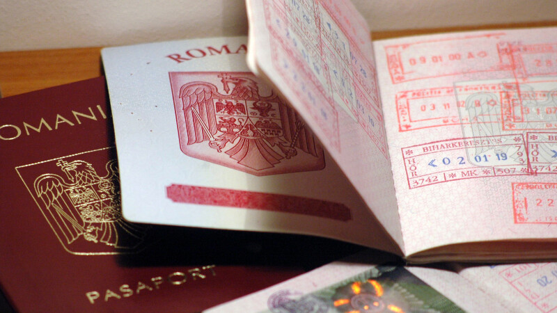 romani pasaport