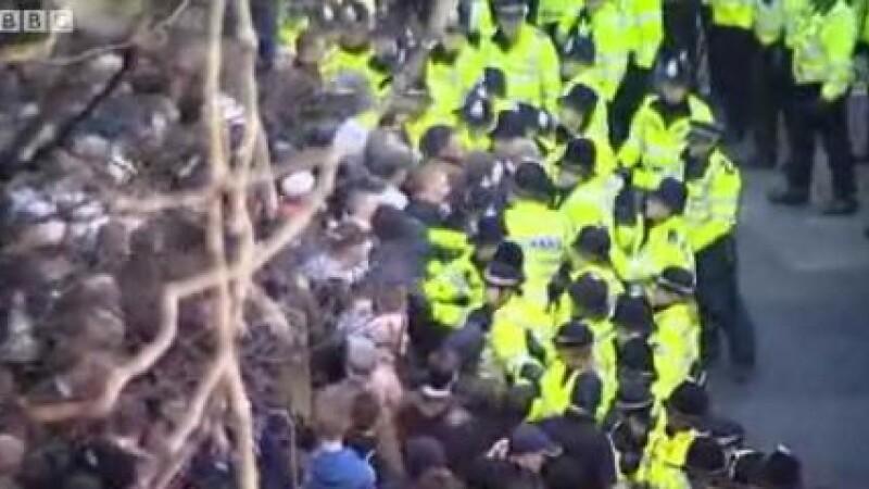 Demonstratii dure in Marea Britanie impotriva extremismului islamist