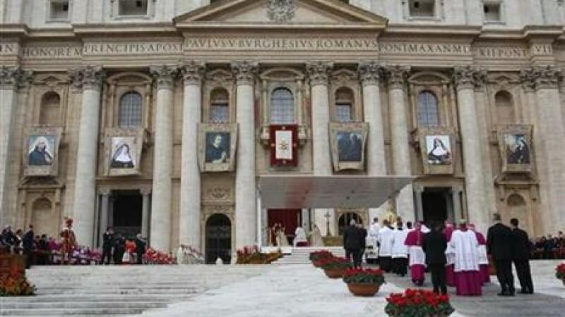 Peste 200 de cardinali s-au adunat la Vatican. Data conclavului nu a fost inca fixata