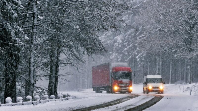 iarna, drum inzapezit, zapada, DN, soferi, cauciucuri