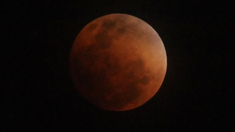 eclipsa totala de luna 10.12.2011