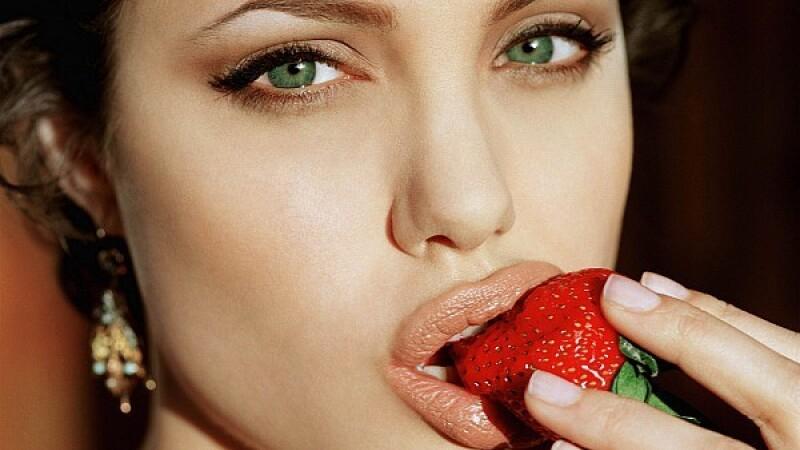 Angelina Jolie - 5