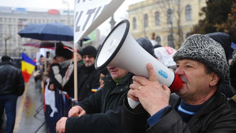 Revolutionarii, inca o luna in strada. Pana pe 22 martie, anunta ca vor iesi zilnic in Piata Operei