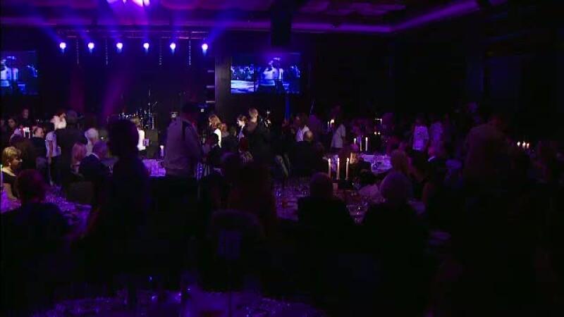 Fundatia Lauder a aprins lumanarile Craciunului la a zecea editie a Galei Prieteniei
