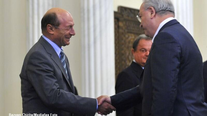 Puiu Hasotti, Traian Basescu