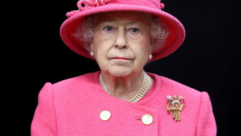 Presa din Marea Britanie scrie ca patru islamisti planuiau sa o asasineze pe regina Elisabeta, in acest weekend