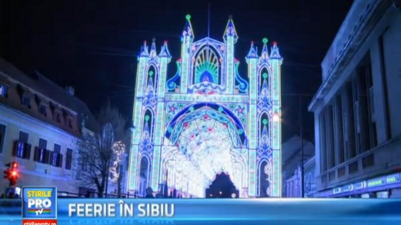 Tunel de lumini in centrul Sibiului. Au fost aprinse 55.000 de beculete, pe o instalatie de 40 de m