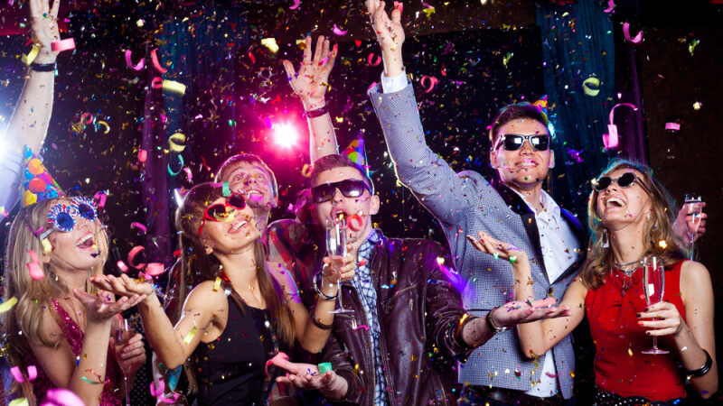Petrecere de revelion tineri