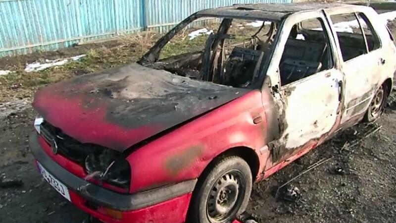 La numai o zi de la incercarea de-a vinde o masina adusa din Germania a gasit-o incendiata. Pe cine acuza barbatul