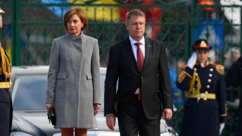 Klaus Iohannis a participat, alaturi de sotia sa, la slujba de Craciun de la o biserica din Sibiu