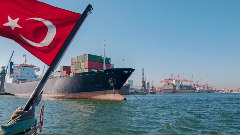 Nava comerciala turceasca, naufragiata in largul Italiei. Mai multi membri ai echipajului, dati disparuti