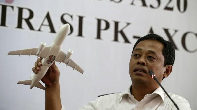 Anchetatorii au stabilit cauzele prabusirii avionului AirAsia in Marea Java. 162 de oameni si-au pierdut viata in tragedie