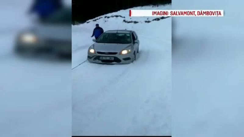 Doi turisti au ramas inzapeziti in Masivul Bucegi. Imagini de la operatiunea de salvare a jandarmilor