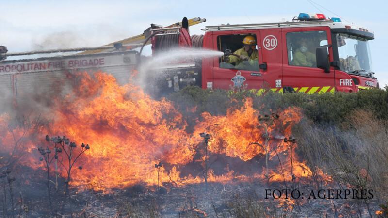 pompieri sting un incendiu in Australia