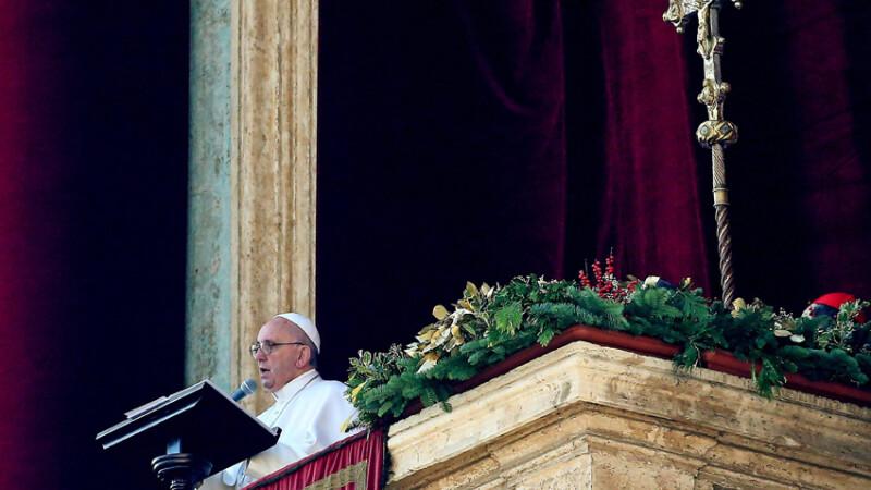 papa, liturghie de Craciun 2015