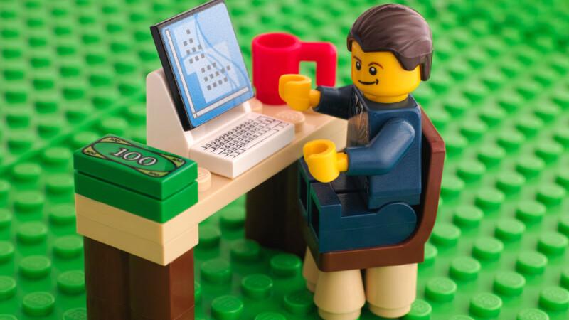 De ce ne recomanda analistii financiari sa investim mai degraba in Lego decat in aur. Seturile care pot aduce profit de 2000%