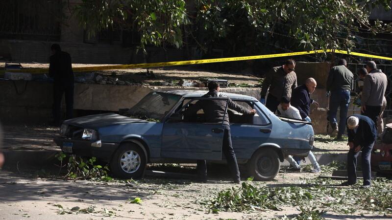Atentat cu bomba in Cairo: sase politisti au fost ucisi si patru civili au fost raniti