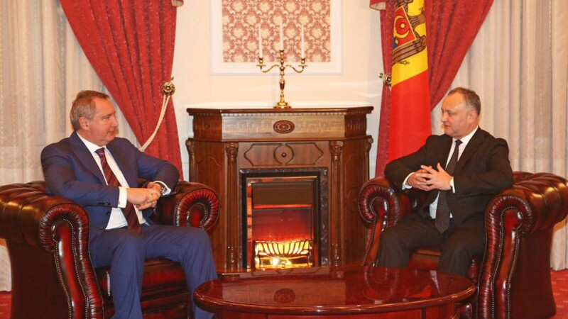 Noul presedinte al Moldovei a stat pana la 3 noaptea sa-l astepte pe trimisul lui Putin. Cand merge la Moscova