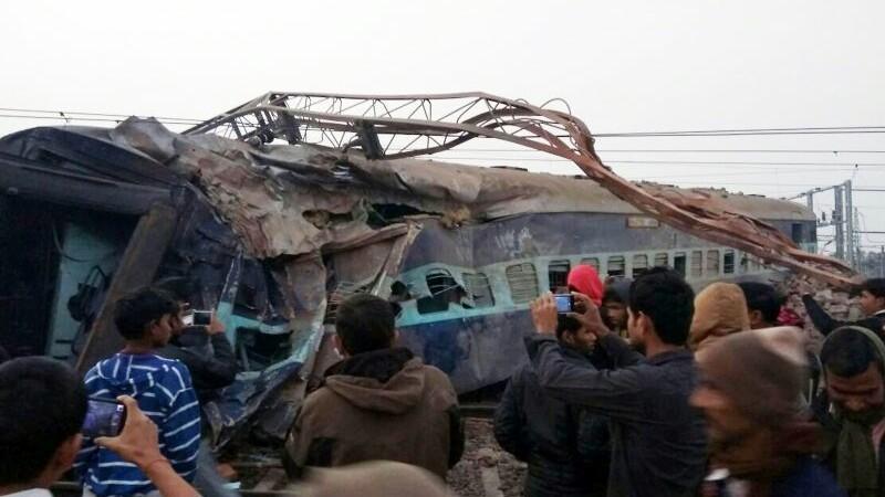 2 morti si 40 de raniti, dupa ce un tren a deraiat in India. 15 vagoane au sarit de pe sine