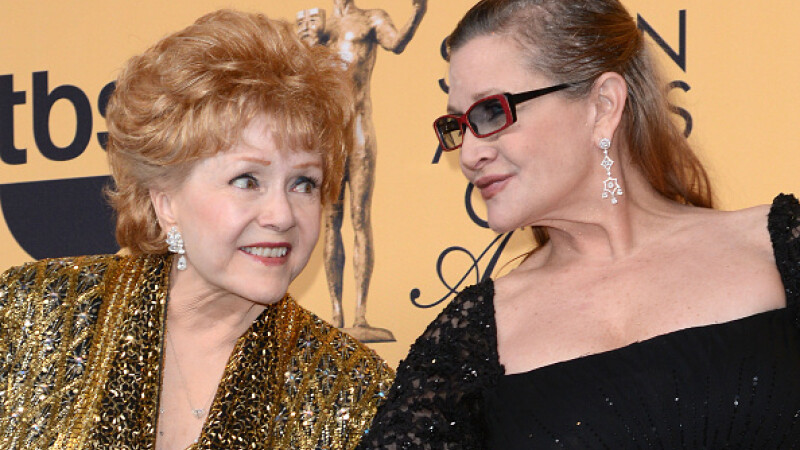 Debbie Reynolds si fiica sa, Carrie Fisher, vor fi inmormantate una langa alta, la Hollywood