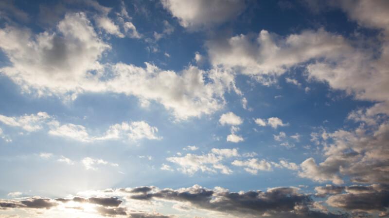 Vremea 20 aprilie. Temperaturi mai scăzute şi ploi de scurtă durată