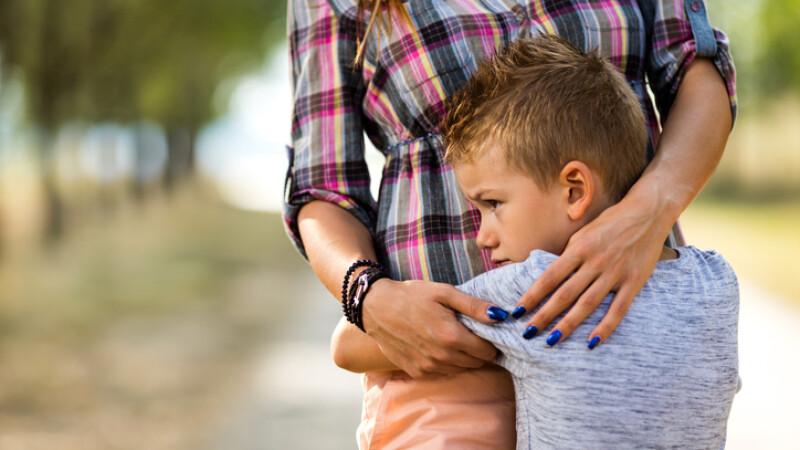 O româncă riscă să își piardă copiii. Soțul său italian o acuză ca i-a răpit