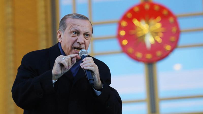 """Peste 2.700 de angajați cu legături """"teoriste"""" vor fi concediați, în Turcia"""