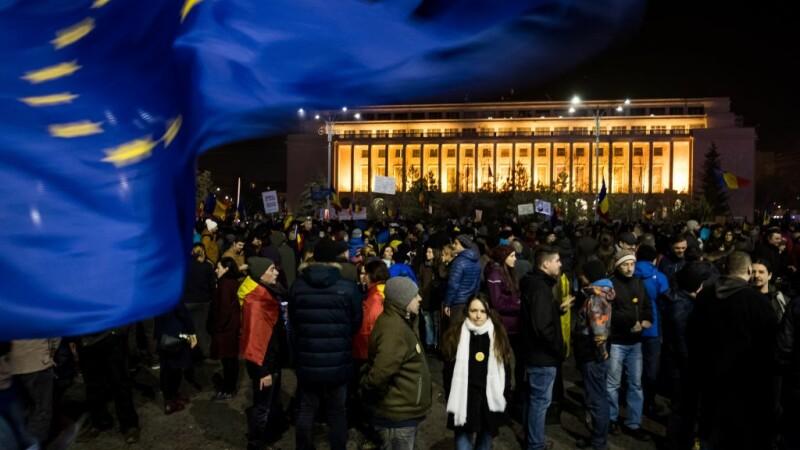Început de an cu proteste în Piața Victoriei, împotriva legilor Justiției. 200 de oameni au participat