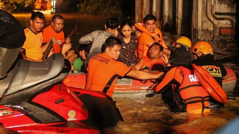 Inundații masive și alunecări de teren în Filipine. Sunt cel puțin 130 de morți