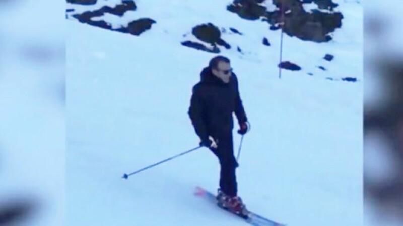 Emmanuel şi Brigitte Macron, vacanță la schi în Pirinei. VIDEO