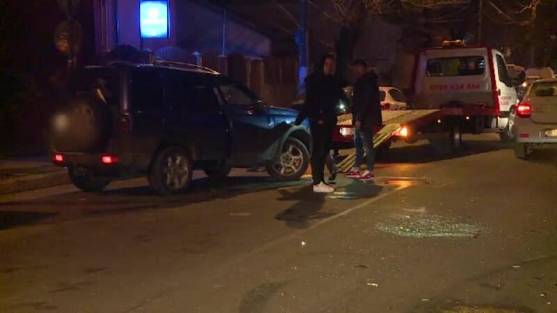 Un şofer a lovit maşinile parcate pe o stradă din Capitală