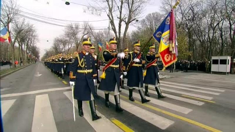 regimentul de garda la parada de 1 Decembrie