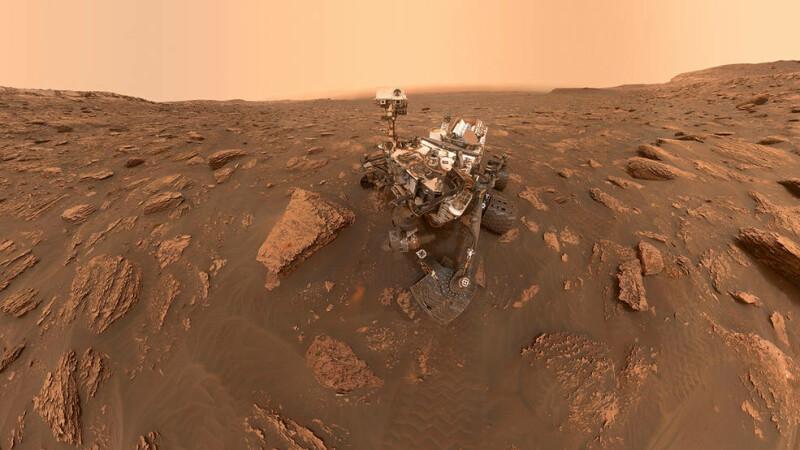 """""""Obiecte"""" aurii și lucioase descoperite pe Marte. Explicația NASA. FOTO"""