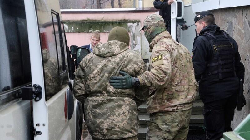 marinari ucraineni dusi la inchisoare de agenti FSB