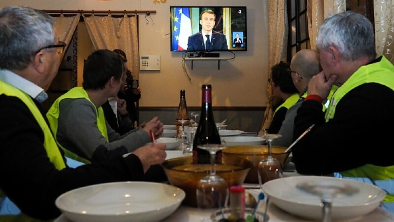 Emmanuel Macron, vestele galbene, franta,