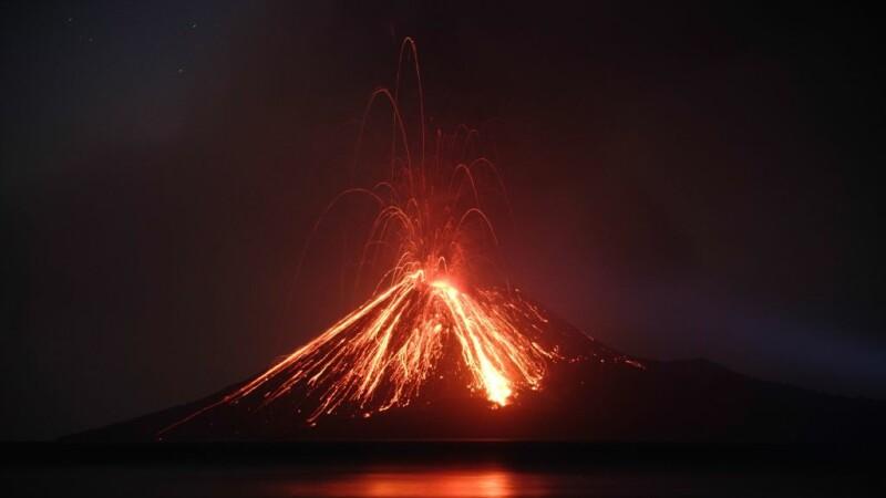 vulcanul copilul lui krakatoa