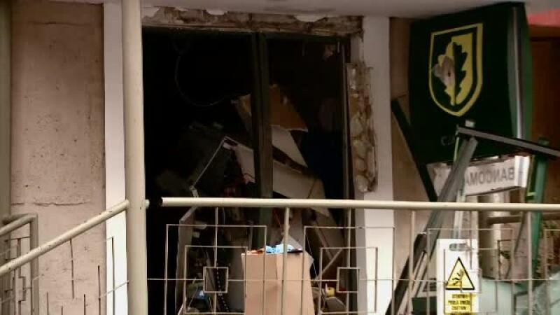 Polițiștii au un cerc de suspecți în cazul jafului la banca din Brașov. Suma furată de hoți