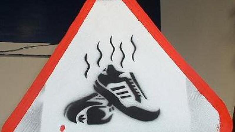 interzis...picioare mirositoare